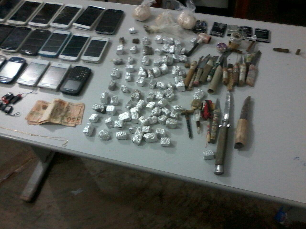 Bope encontra drogas e armas nas celas do Iapen