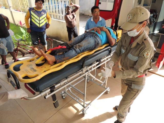 Universitários ficam feridos em acidente na BR-156