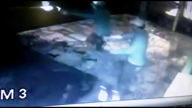 VÍDEO: Comerciante de açaí escapa de 'chuva' de balas