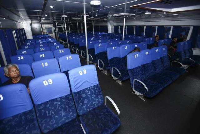 Lancha de passageiros faz trajeto para Belém em 12 horas