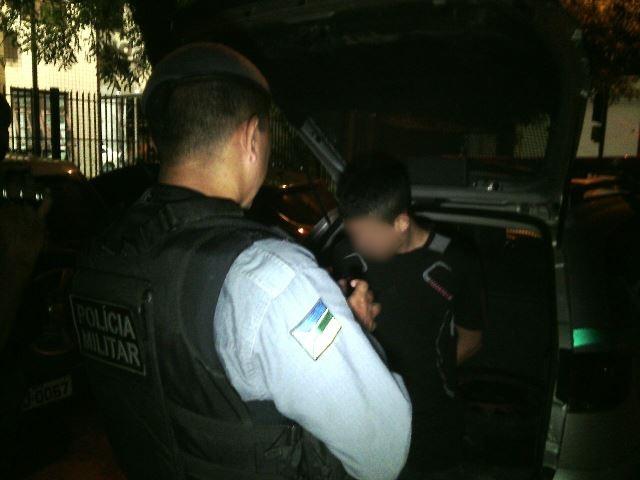 Pai chama polícia para apreender o filho