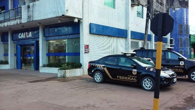 Bandidos alugam apartamento para invadir banco