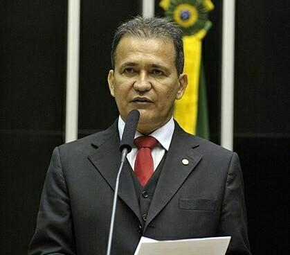 Reátegui diz que GEA 'aparelhou' a Liga das Escolas de Samba