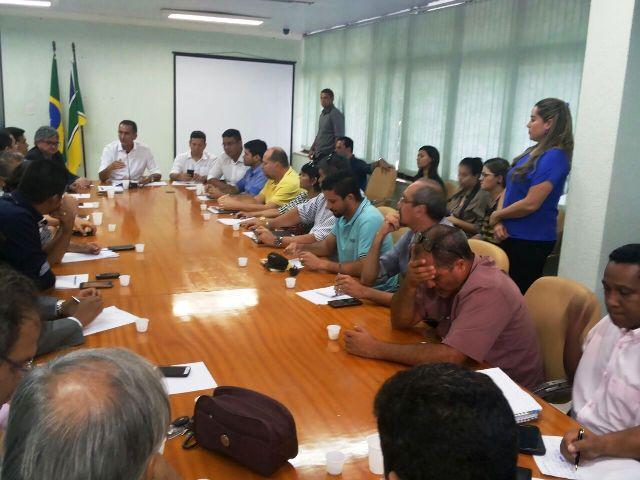 Governo propõe retirar a PEC dos Salários