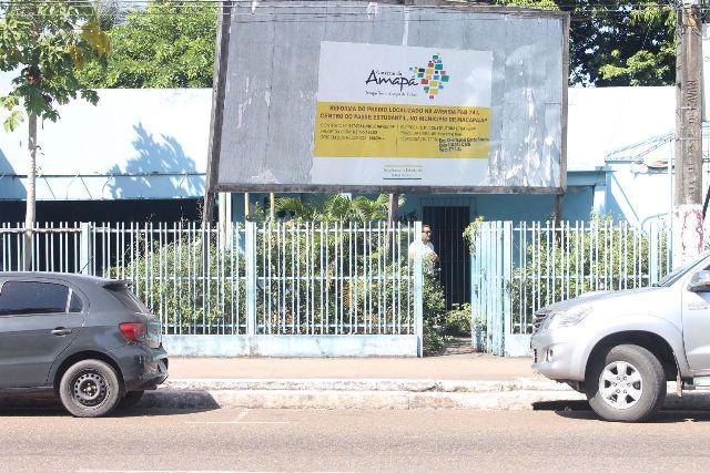 Abandonado, prédio no centro de Macapá serve de abrigo para usuários de drogas