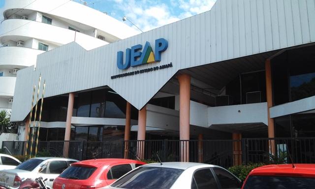 Sem previsão de acordo, greve da Ueap completa três meses
