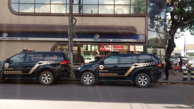 Polícia Federal cumpre 13 mandados de prisão e 16 de condução coercitiva