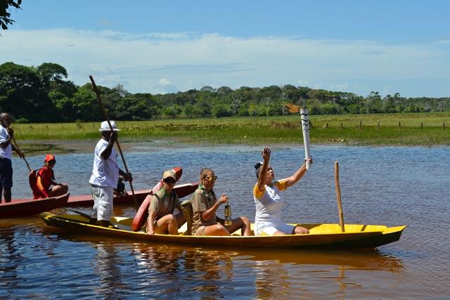 No Curiaú, Tocha Olímpica é acesa e inicia passagem por Macapá