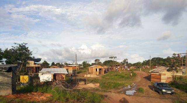 Audiência pública discute destino de invasores na Norte-Sul