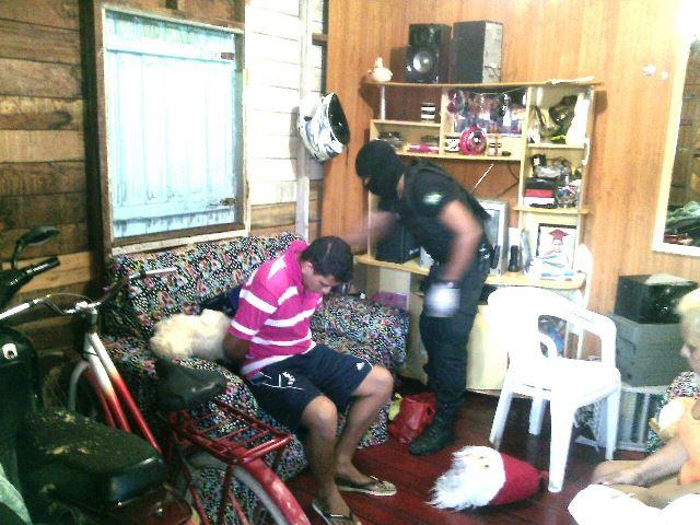 'Operação Araxá' prende família acusada de tráfico