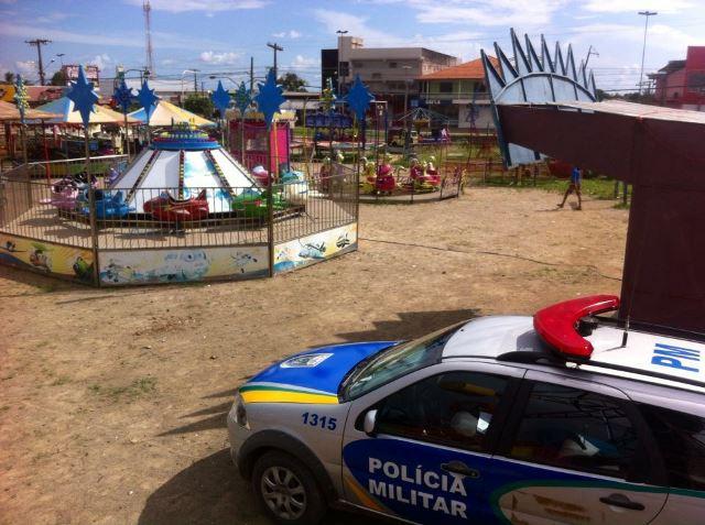 Homem é encontrado morto dentro de parque de diversões
