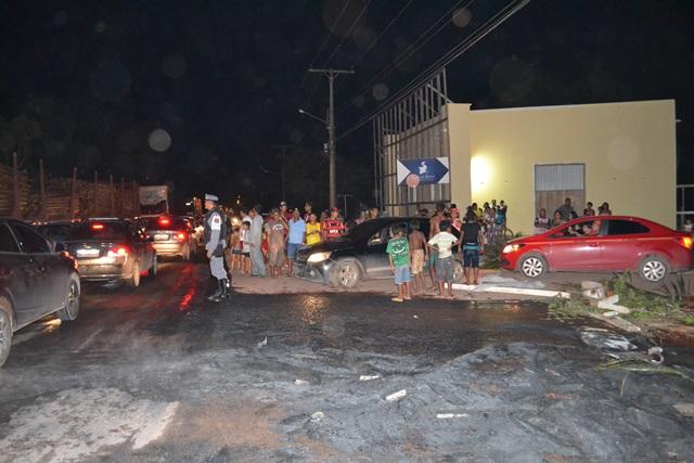 Depois de 24 horas em energia, moradores do Coração fecham a Duca Serra