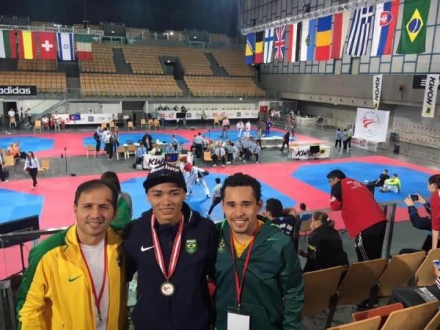 Venilton Torres é bronze no Open da Áustria de Taekwondo
