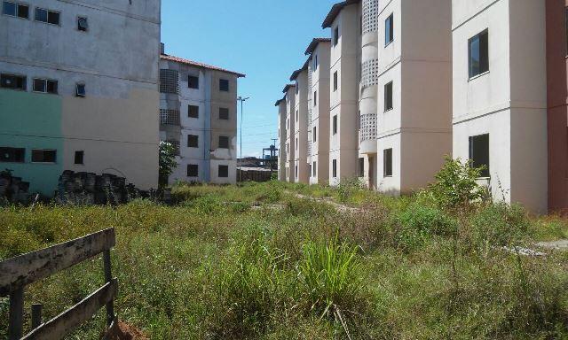 Conjunto habitacional no Congós continua com obra parada