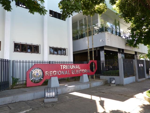 Justiça condena empresa por doação ilegal na campanha de Waldez