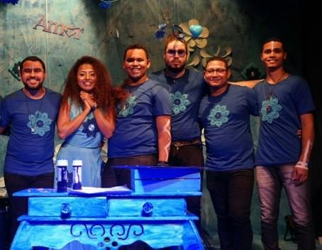 'Bailinho Azul' tem repertório dançante com participações especiais