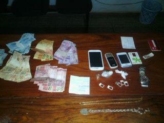 Trio é preso no Macapaba acusado de comercializar droga
