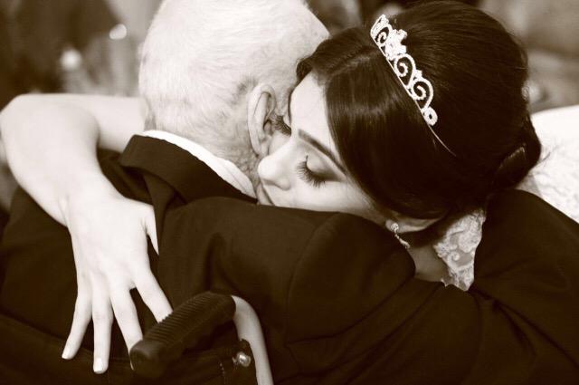 Noiva se casa em hospital para homenagear o avô