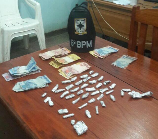 PM prende trio por tráfico de drogas na área da 'Caesinha'