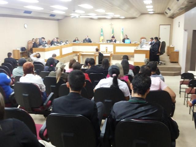 Com voto do relator por condenação, julgamento é suspenso