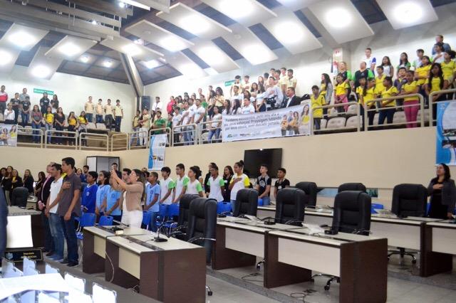 Professores e alunos da rede pública são homenageados com Comenda Celso Saleh