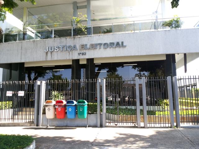 Justiça manda empresa retirar do ar enquetes para governador e deputado
