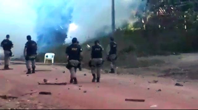 VÍDEO mostra confronto entre PRF e manifestantes no Maracá