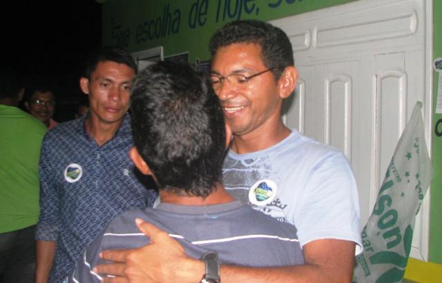 Candidato a prefeito em Serra diz que esposa só recebeu até 2013