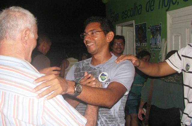 Esposa de candidato a prefeito em Serra do Navio teria recebido sem trabalhar