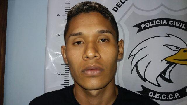 Assaltante de 1,90 metro é reconhecido por taxista