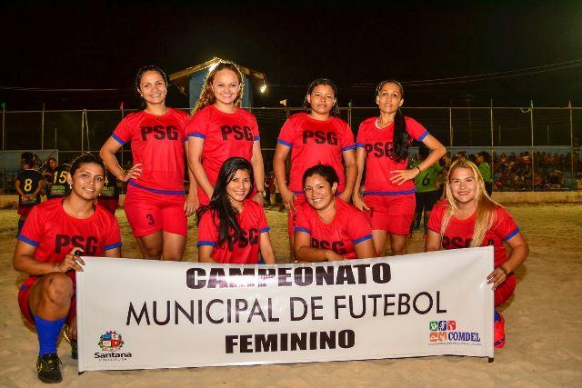 Em Santana, 14 equipes disputam campeonato feminino