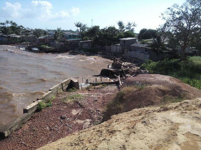 Obra parada do muro de arrimo no Araxá é saqueada