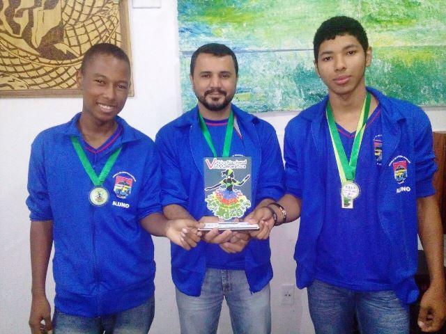 Alunos do EJA são premiados em Feira Nacional de Matemática