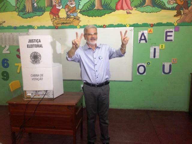 Promotor Moisés é o 1º a votar