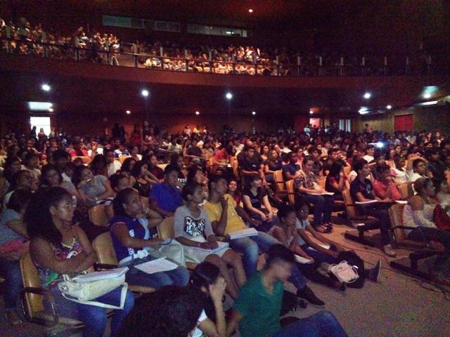 Aulão para o Enem ajuda mais de 2 mil estudantes