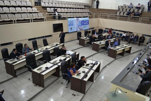 EM OFF: Deputados e ex-deputados podem virar réus em 13 ações