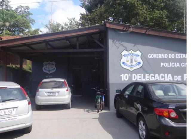 Bandidos assaltam delegacia de polícia