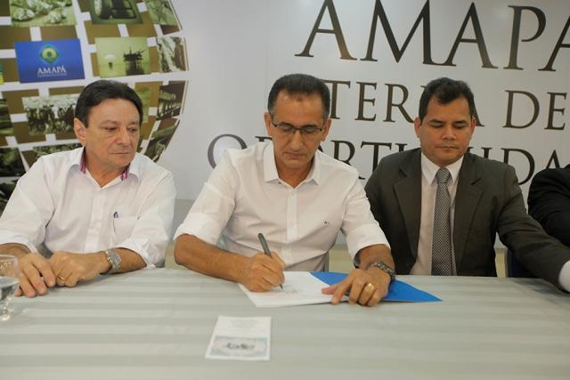 GEA assina primeira concessão para exploração da Floresta do Amapá