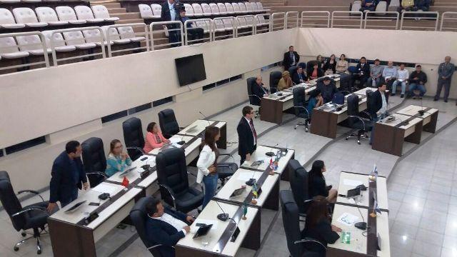 Apesar do protesto de entidades, deputados criam nova taxa nos cartórios