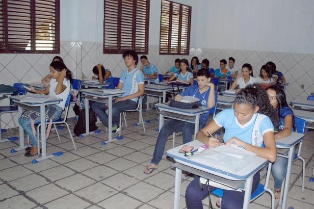 AP começa a experimentar a educação em tempo integral