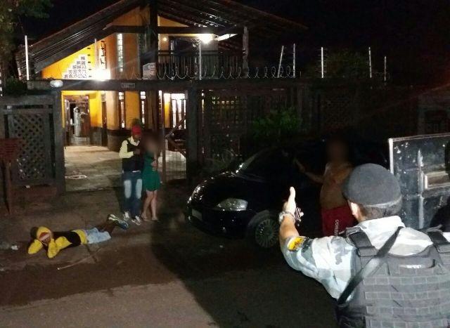 """""""Perdi…tô com refém"""", avisa bandido em transmissão pelo Facebook"""