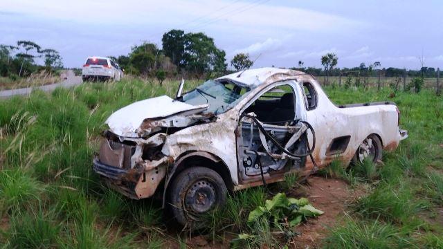Motorista morre em capotamento a 150 km/h