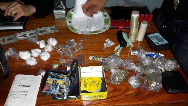 Jovens vendiam drogas a serviço de detento do Iapen