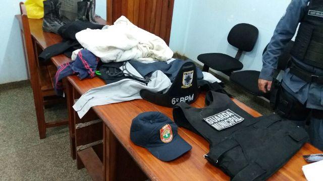 Em furto, ladrões tentam levar até farda de guarda municipal