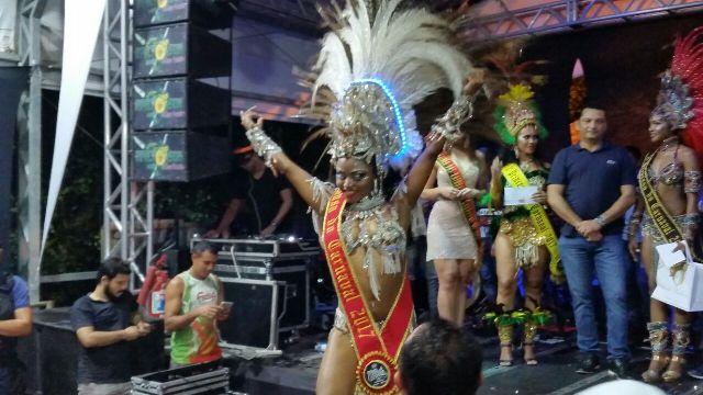 Jaene Almeida é a musa do Carnaval de Santana
