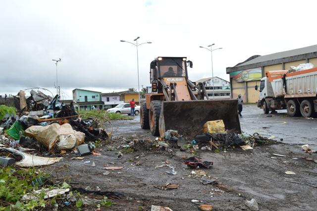 Cidade do Samba: Liesap é multada por acumular 80 toneladas de lixo