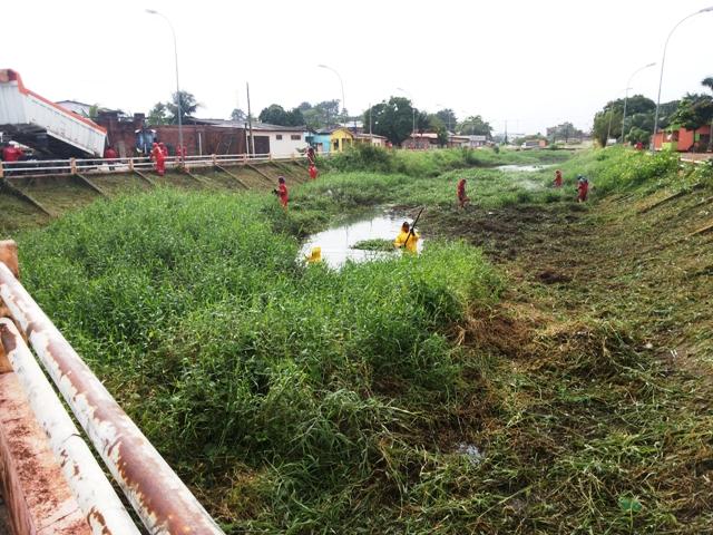 Canal do Beirol recebe força-tarefa de limpeza