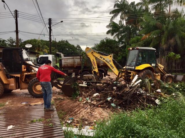 Equipes retiraram 40 toneladas em lixeira viciada