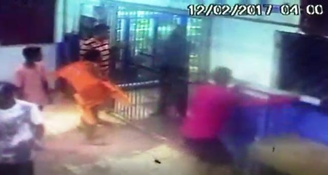 VÍDEO: Criminosos tentam invadir mercantil e comerciante reage com terçado
