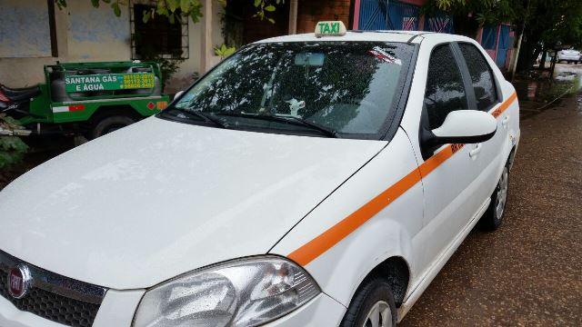 Justiça mantém concessões de placas de táxi em Santana
